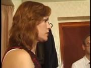 Трое негров бьют и трахают белую женщину